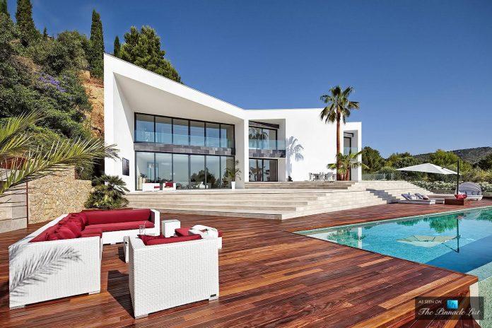 luxury-mediterranean-origami-villa-located-son-vida-mallorca-09