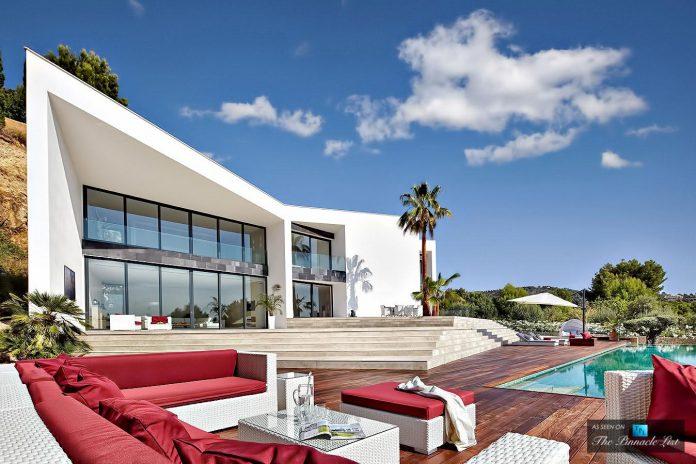 luxury-mediterranean-origami-villa-located-son-vida-mallorca-10