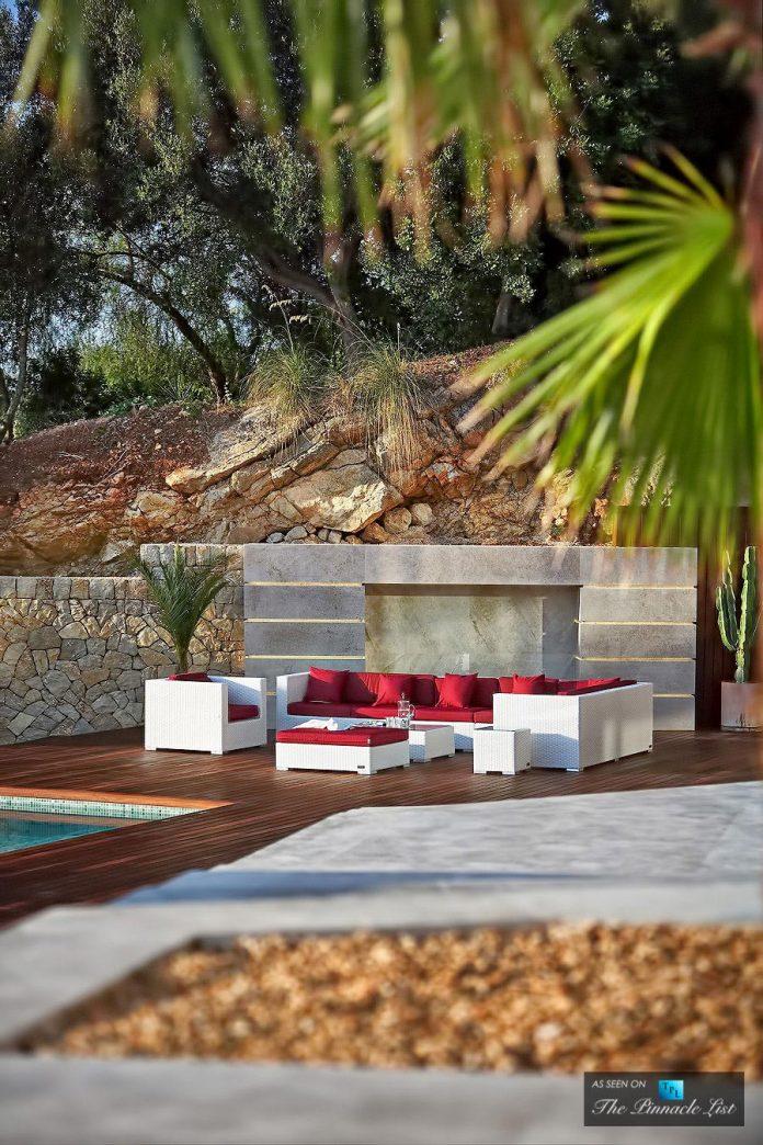 luxury-mediterranean-origami-villa-located-son-vida-mallorca-12