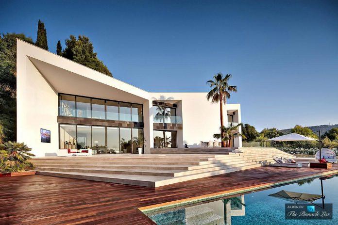 luxury-mediterranean-origami-villa-located-son-vida-mallorca-13