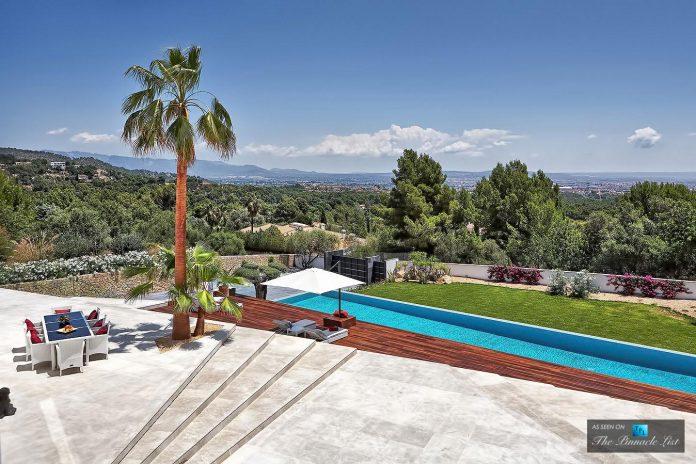 luxury-mediterranean-origami-villa-located-son-vida-mallorca-15