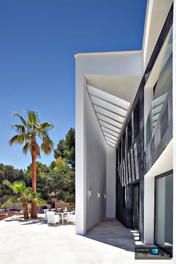 luxury-mediterranean-origami-villa-located-son-vida-mallorca-18