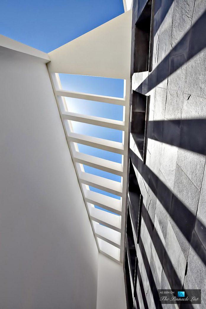luxury-mediterranean-origami-villa-located-son-vida-mallorca-19