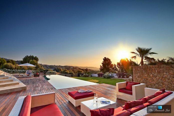 luxury-mediterranean-origami-villa-located-son-vida-mallorca-42
