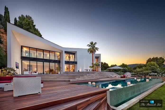 luxury-mediterranean-origami-villa-located-son-vida-mallorca-45