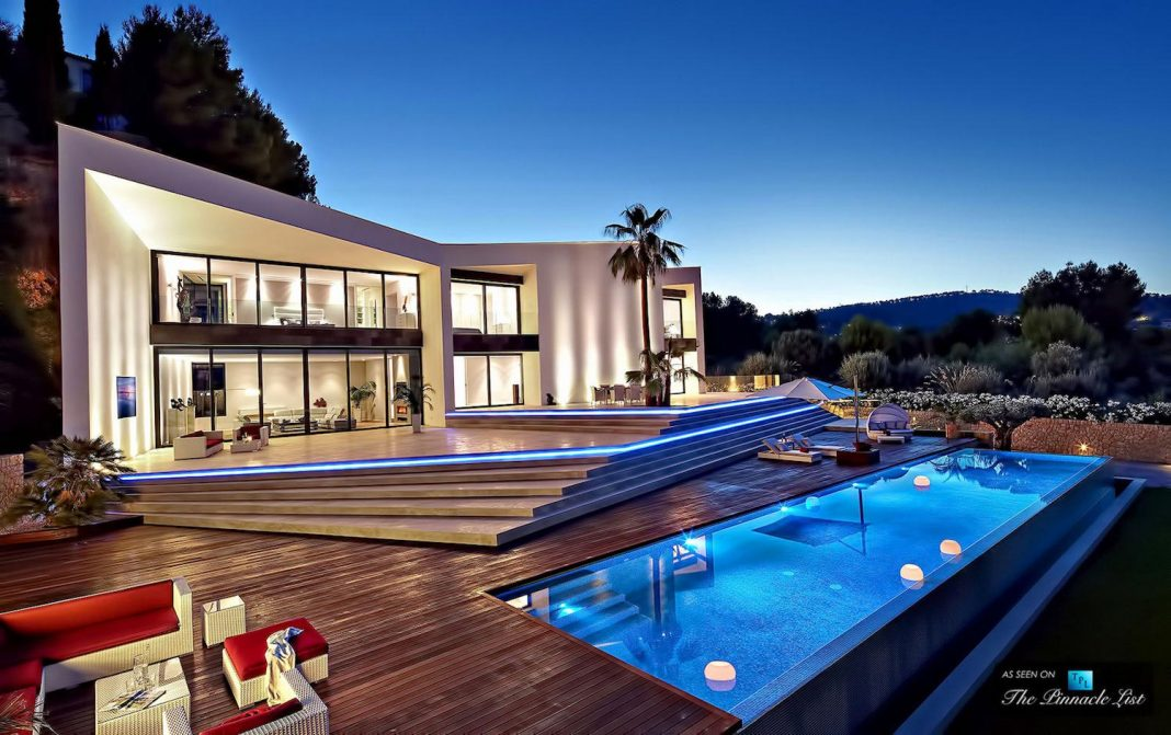 Luxury Mediterranean Origami Villa Located In Son Vida