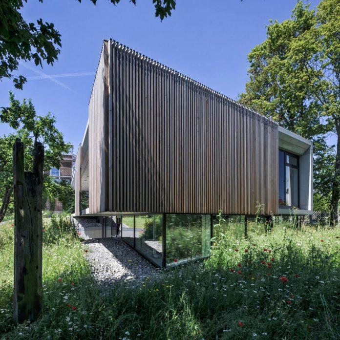 manuela-fernandez-langenegger-designs-flat-concrete-home-nurtingen-germany-02
