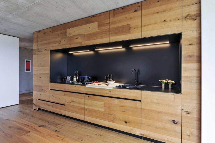 manuela-fernandez-langenegger-designs-flat-concrete-home-nurtingen-germany-06