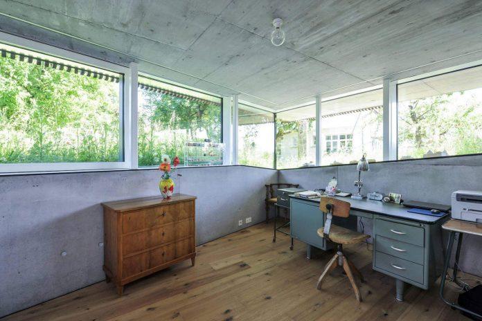 manuela-fernandez-langenegger-designs-flat-concrete-home-nurtingen-germany-11