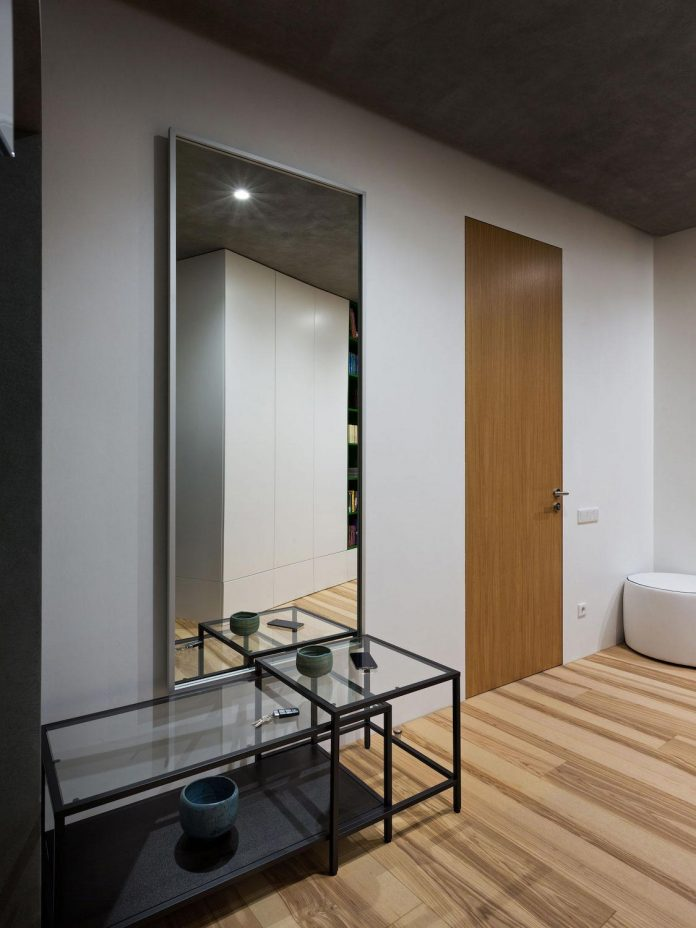 minimalist-apartment-interior-design-although-practical-functional-no-unnecessary-structures-eating-space-01