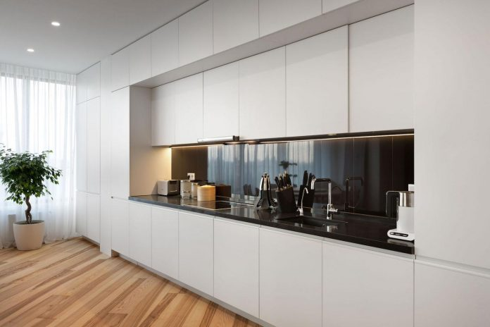minimalist-apartment-interior-design-although-practical-functional-no-unnecessary-structures-eating-space-10