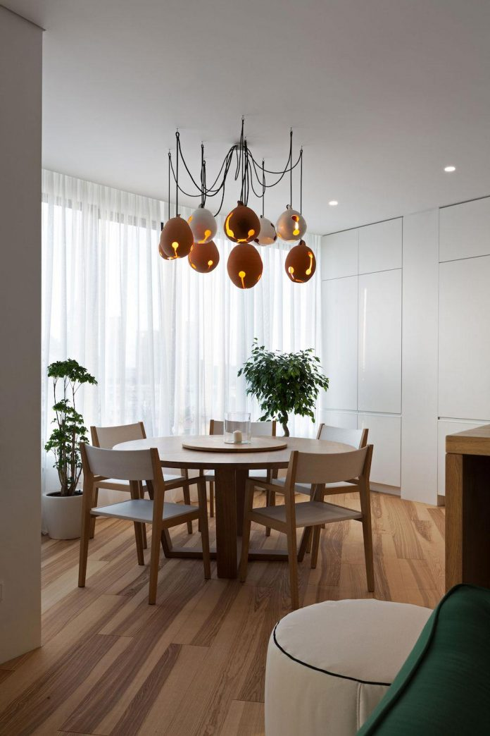 minimalist-apartment-interior-design-although-practical-functional-no-unnecessary-structures-eating-space-11