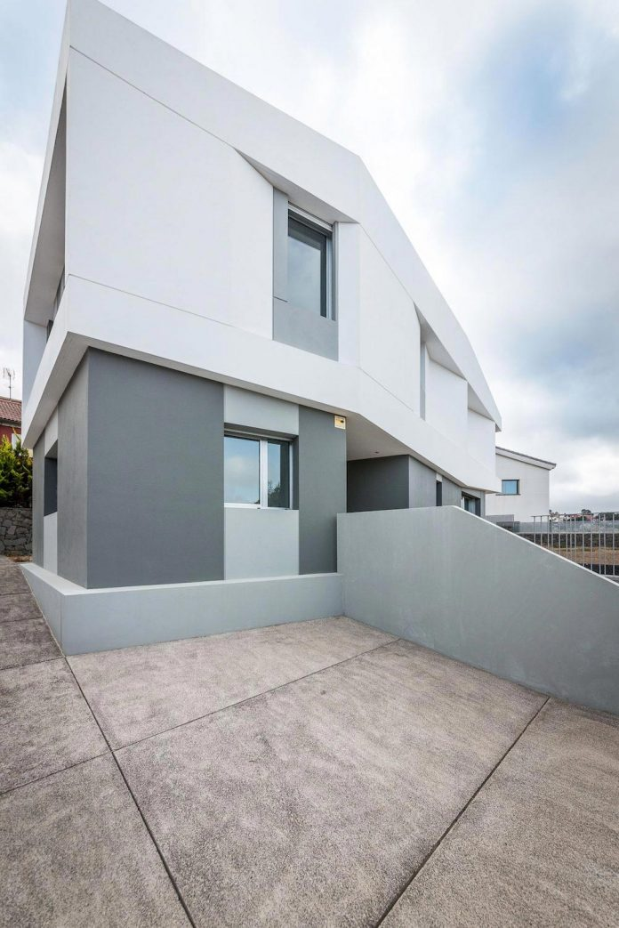 minimalist-house-close-golf-club-bandama-gran-canaria-01