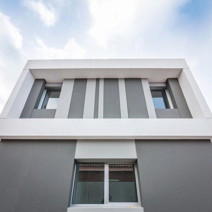 minimalist-house-close-golf-club-bandama-gran-canaria-03
