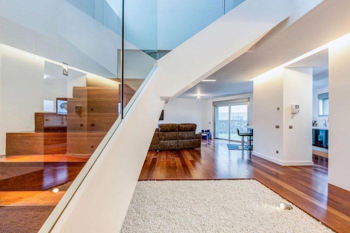 minimalist-house-close-golf-club-bandama-gran-canaria-05