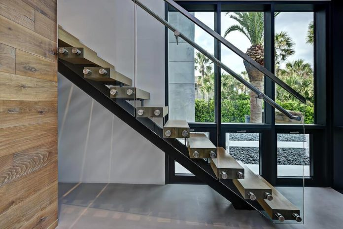 modern-6200-square-foot-beach-house-located-atlantic-beach-north-carolina-16