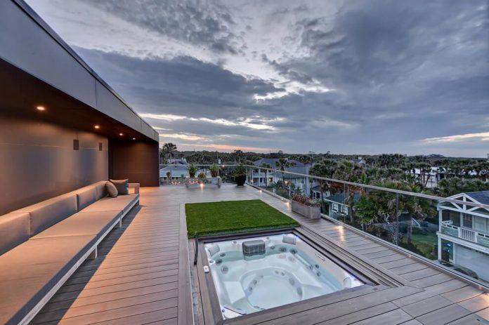 modern-6200-square-foot-beach-house-located-atlantic-beach-north-carolina-20