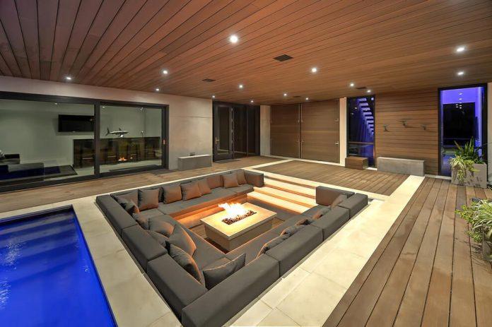 modern-6200-square-foot-beach-house-located-atlantic-beach-north-carolina-24