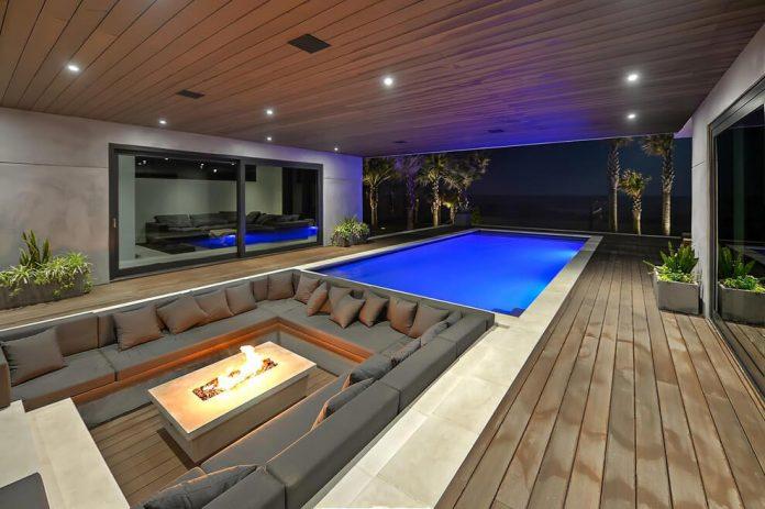 modern-6200-square-foot-beach-house-located-atlantic-beach-north-carolina-25