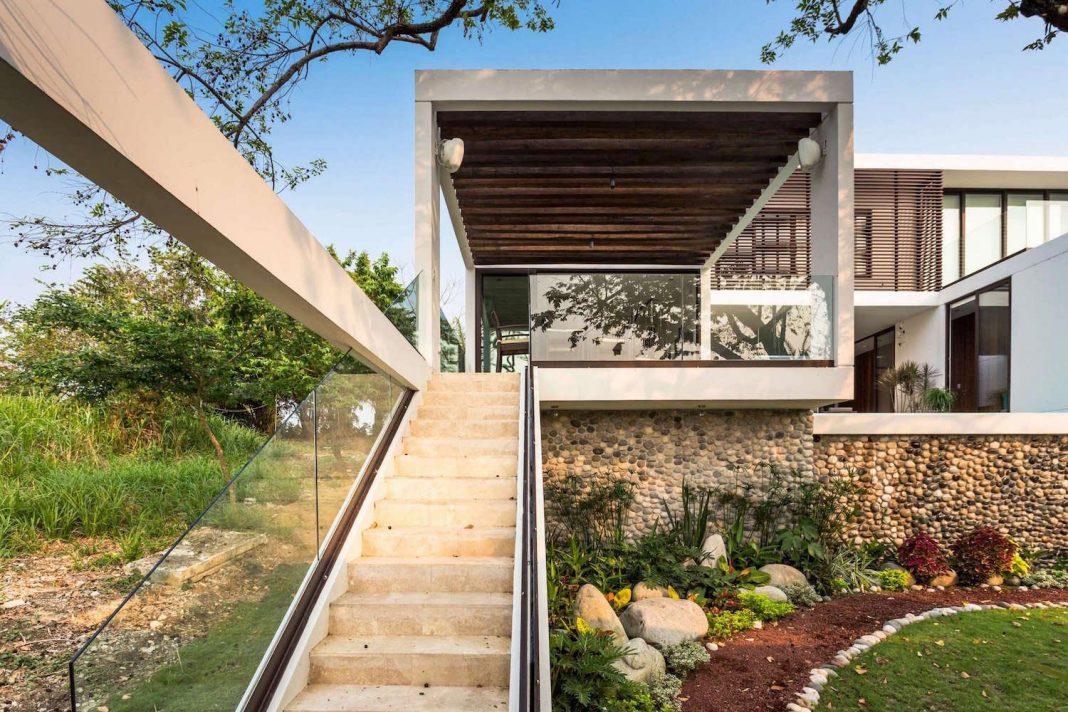 Modern Eco Friendly Guazuma Home Located In Tabasco Mexico