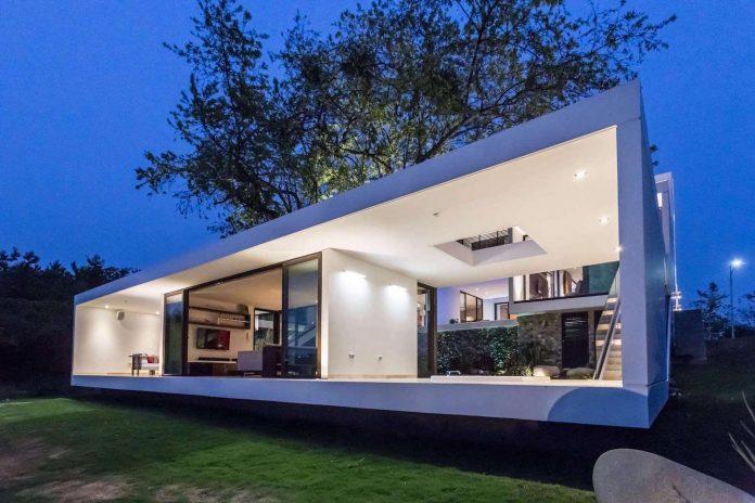 modern-eco-friendly-guazuma-home-located-tabasco-mexico-16