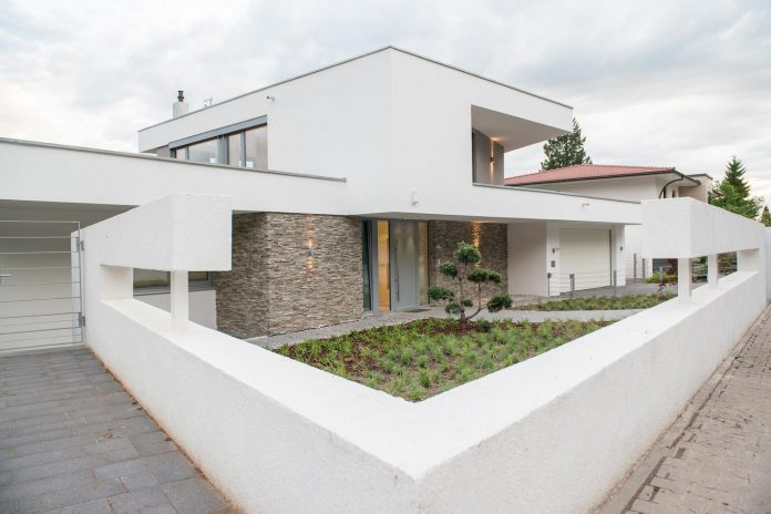 modern-residential-building-situated-hillside-pforzheim-with-magnificent-panoramic-views-13