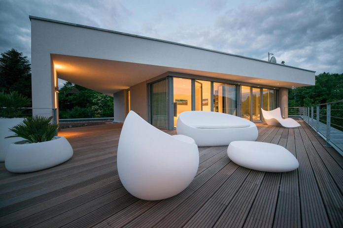 modern-residential-building-situated-hillside-pforzheim-with-magnificent-panoramic-views-15
