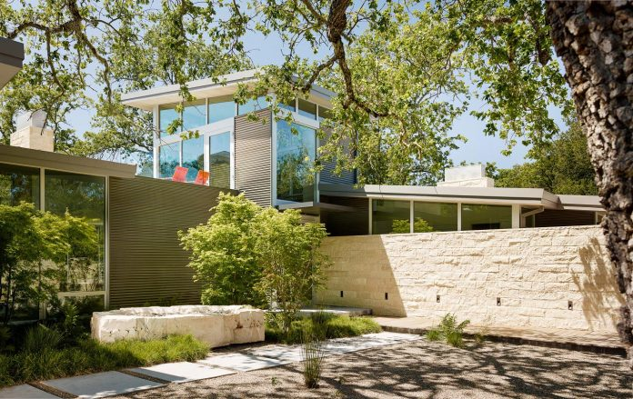 modern-take-traditional-ranch-home-situated-atop-ridge-santa-lucia-mountains-offers-contemporary-materials-landscape-classic-typology-02