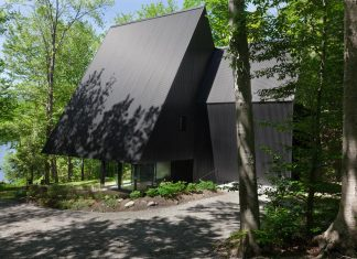 Nestled in the privacy of a hemlock forest, Fahouse presents an amazing building that seems to emerge from a children's story