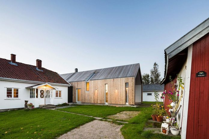 ovre-tomtegate-7-contemporary-home-sellebakk-norway-designed-link-arkitektur-04