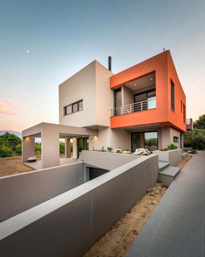 pentagonal-shaped-home-designed-barlas-architects-13