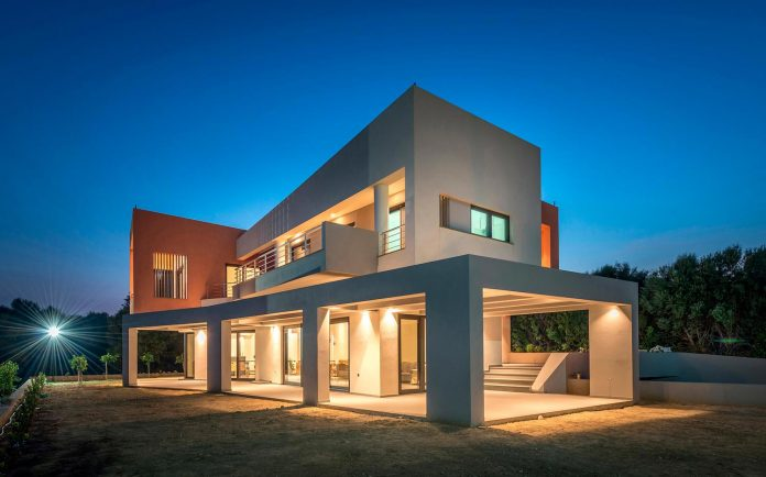 pentagonal-shaped-home-designed-barlas-architects-21