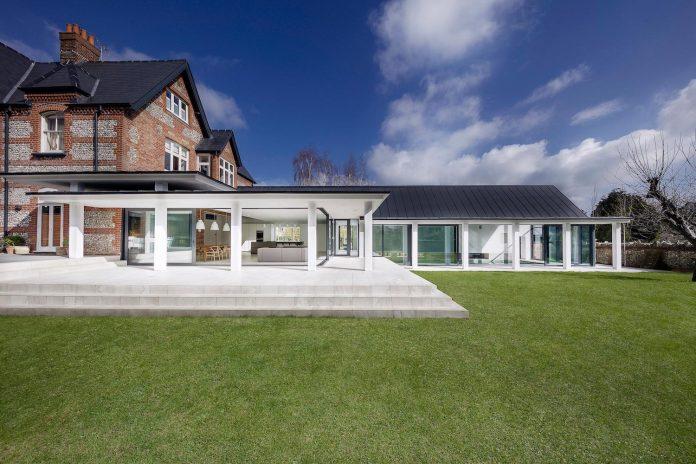 pilots-house-renovation-19th-century-original-winchester-villas-built-using-fine-brick-work-flint-masonry-04