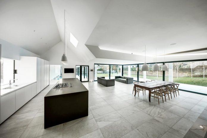pilots-house-renovation-19th-century-original-winchester-villas-built-using-fine-brick-work-flint-masonry-06