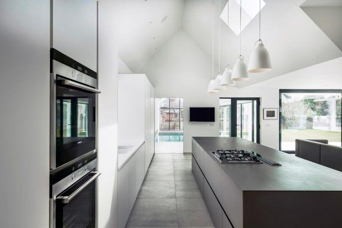 pilots-house-renovation-19th-century-original-winchester-villas-built-using-fine-brick-work-flint-masonry-07