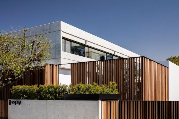 pitsou-kedem-architects-designed-s-house-concrete-home-modern-look-made-clean-lines-02