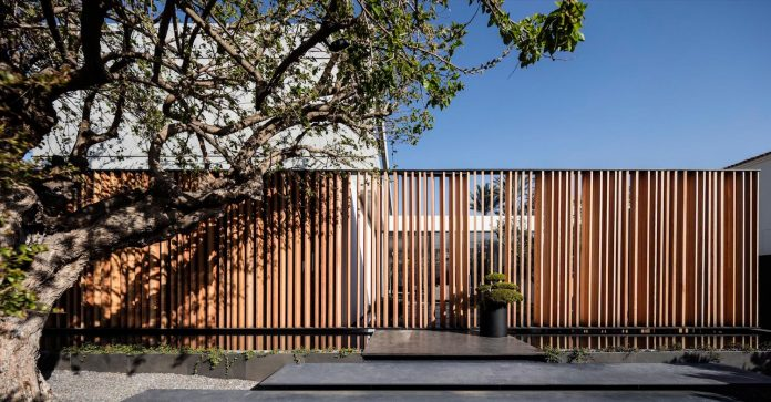 pitsou-kedem-architects-designed-s-house-concrete-home-modern-look-made-clean-lines-03