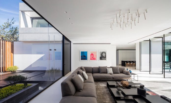 pitsou-kedem-architects-designed-s-house-concrete-home-modern-look-made-clean-lines-05