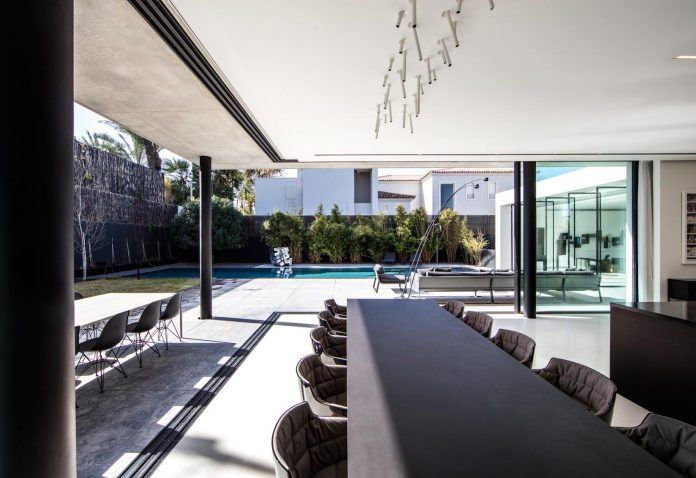 pitsou-kedem-architects-designed-s-house-concrete-home-modern-look-made-clean-lines-06