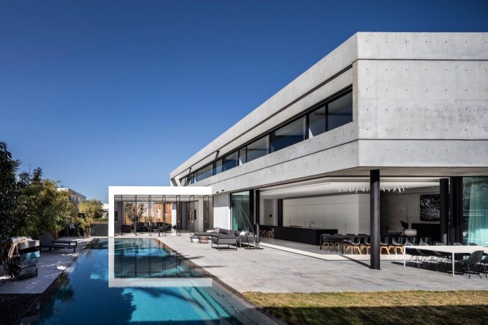 pitsou-kedem-architects-designed-s-house-concrete-home-modern-look-made-clean-lines-11