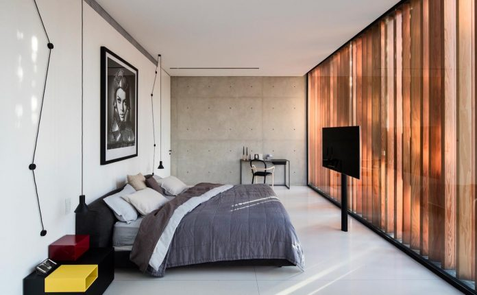 pitsou-kedem-architects-designed-s-house-concrete-home-modern-look-made-clean-lines-14