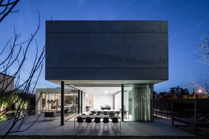 pitsou-kedem-architects-designed-s-house-concrete-home-modern-look-made-clean-lines-21