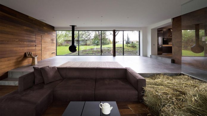 reconstruction-household-uninhabited-buildings-comfortable-home-01
