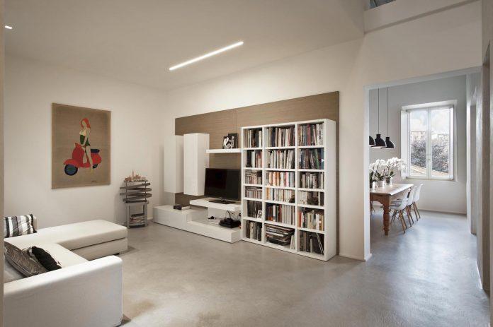 renovation-apartment-located-inside-former-school-music-xix-century-building-historic-center-siena-06