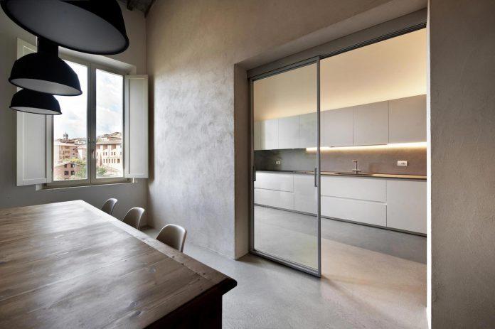 renovation-apartment-located-inside-former-school-music-xix-century-building-historic-center-siena-09