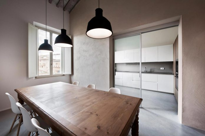 renovation-apartment-located-inside-former-school-music-xix-century-building-historic-center-siena-10