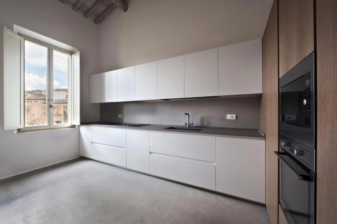 renovation-apartment-located-inside-former-school-music-xix-century-building-historic-center-siena-13