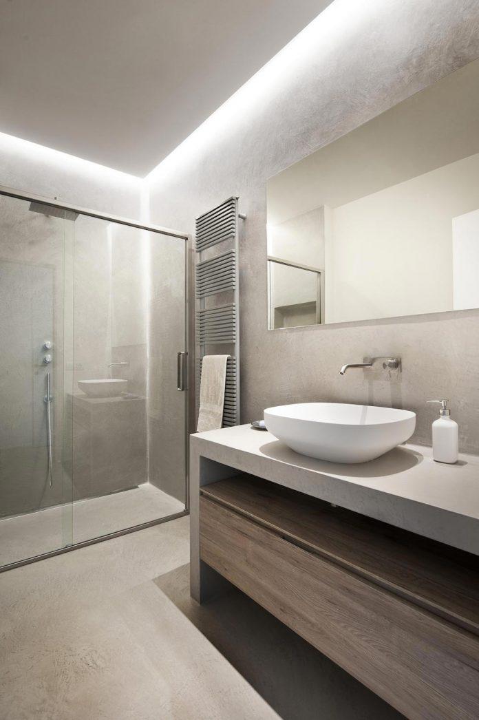 renovation-apartment-located-inside-former-school-music-xix-century-building-historic-center-siena-14