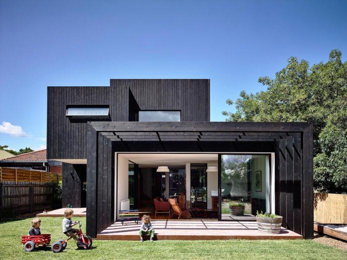 renovation-nineteenth-century-italianate-victorian-masonry-elegant-restrained-timber-addition-accommodate-young-family-01