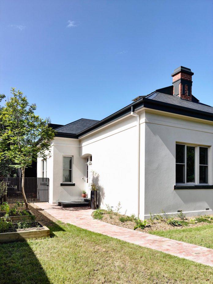 renovation-nineteenth-century-italianate-victorian-masonry-elegant-restrained-timber-addition-accommodate-young-family-02